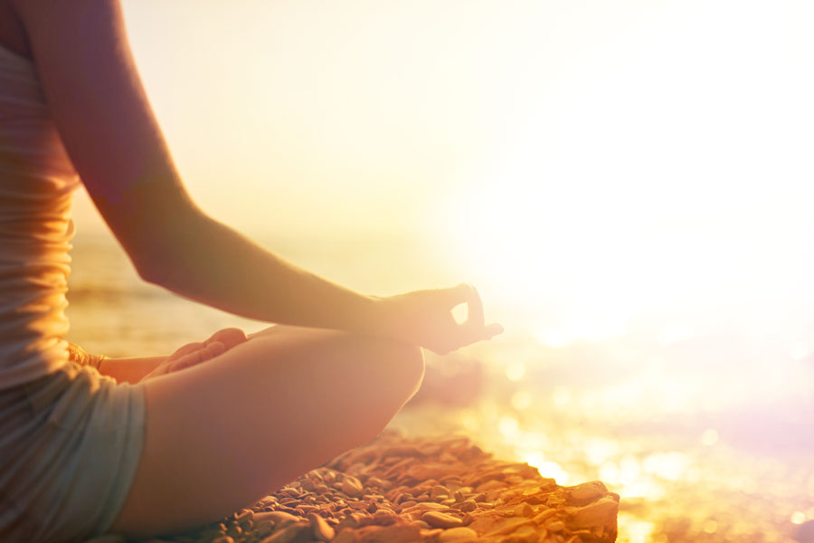 10 Easy Ways You Can Practice Mindfulness - Elyse Santilli